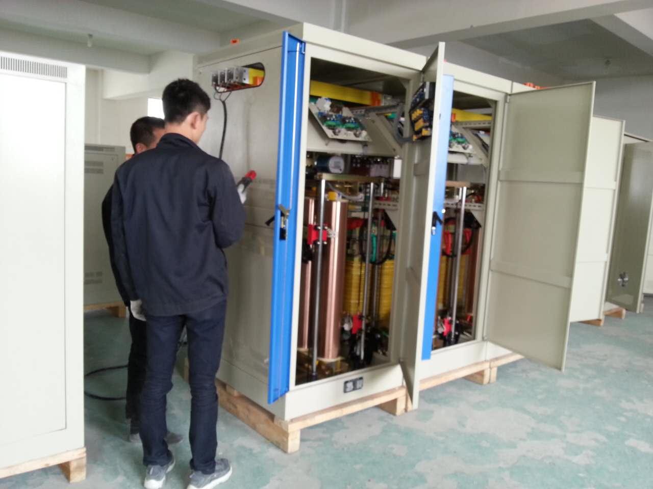 大功率1000KVA稳压器测试出厂(图2)